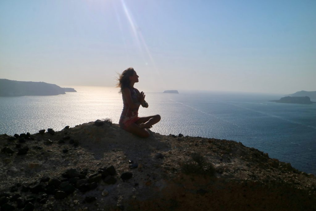 Kundalini Yoga Teacher Julie Jewels Bertrand gratitude meditation Megalochori in Santorini Greece